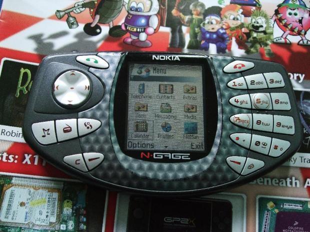Những chiếc điện thoại từng làm mưa làm gió trước thời iPhone