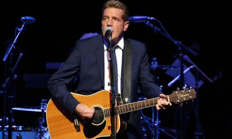 Nghẹn ngào với lời cuối của The Eagles dành cho Glenn Frey