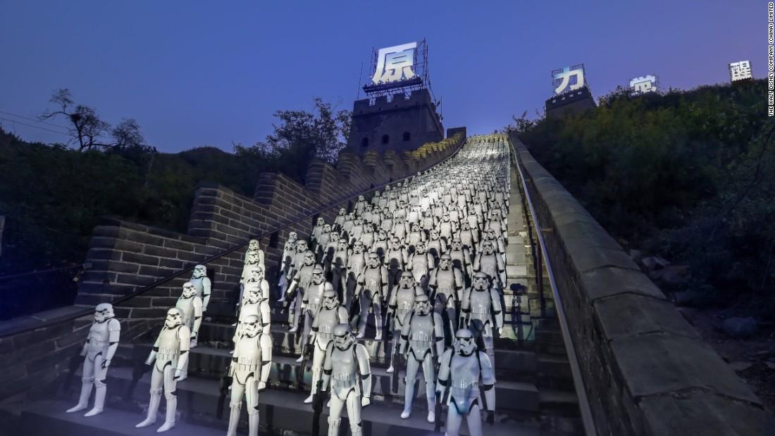 """""""Star Wars 7"""" có nguy cơ đo ván trước """"Sherlock"""" tại Trung Quốc"""