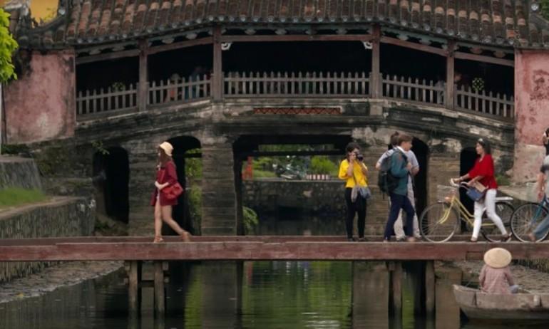 """Việt Nam đẹp nên thơ trong MV """"Cứ Yêu Đi"""""""