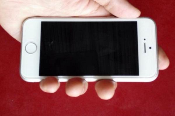 Lộ ảnh iPhone 6C: Thiết kế giống iPhone 6, vỏ kim loại