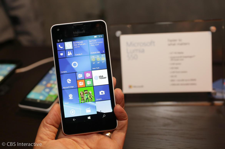 5 điện thoại giá rẻ đáng chú ý mùa mua sắm cuối năm