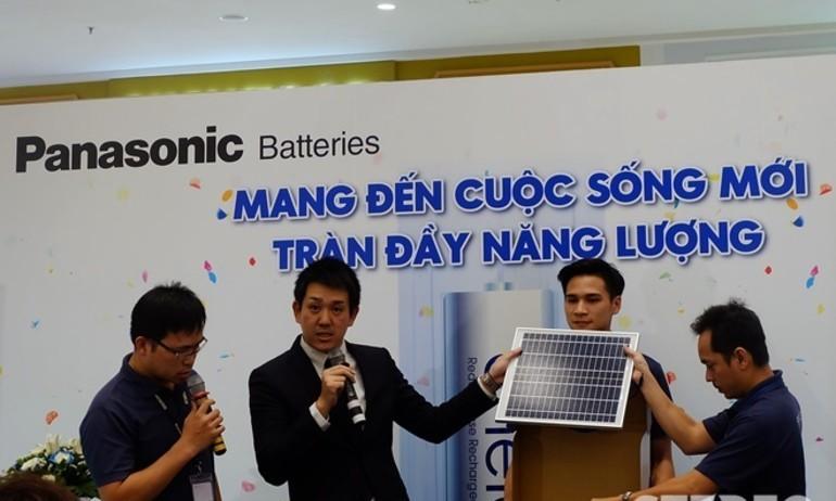 Panasonic kỷ niệm 10 năm pin Eneloop, ra mắt pin mặt trời Solar Storage