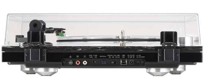 TEAC TN-570 – mâm đĩa nhựa hỗ trợ cả USB và Optical