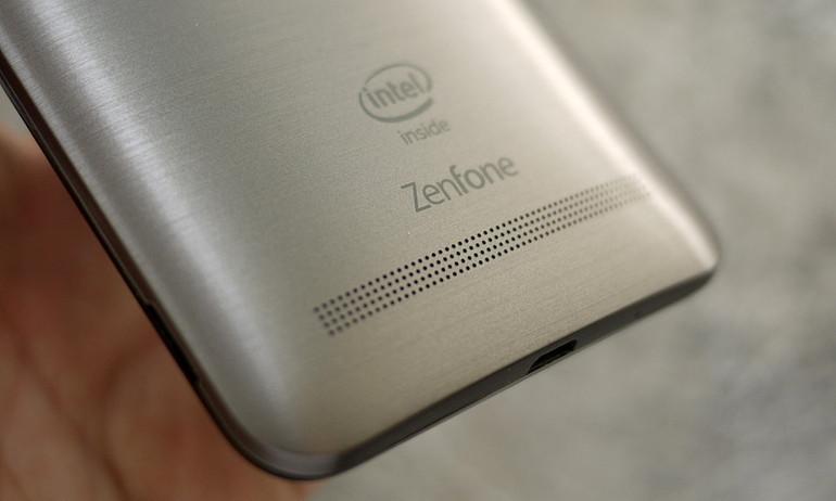 """Vì sao chip Intel bị """"ghẻ lạnh"""" trên smartphone?"""