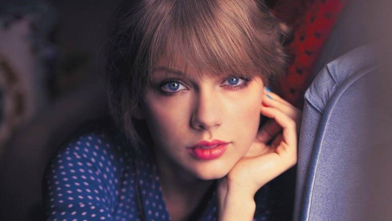 """Anti-fan """"mất điện"""" khi Taylor Swift tặng 5,6 tỉ VNĐ cho Kesha"""