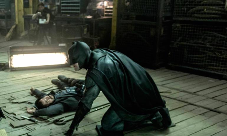 """""""Batman v Superman"""" sẽ ra mắt DVD tăm tối và bạo lực hơn"""