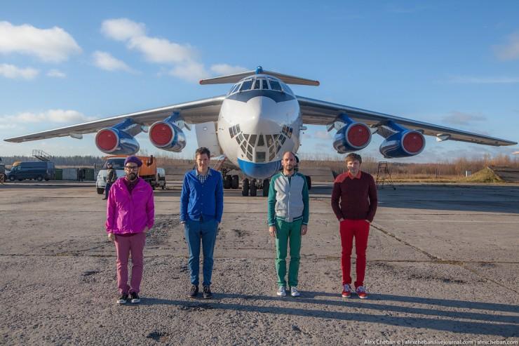 Thưởng thức MV không trọng lực siêu sáng tạo của OK Go