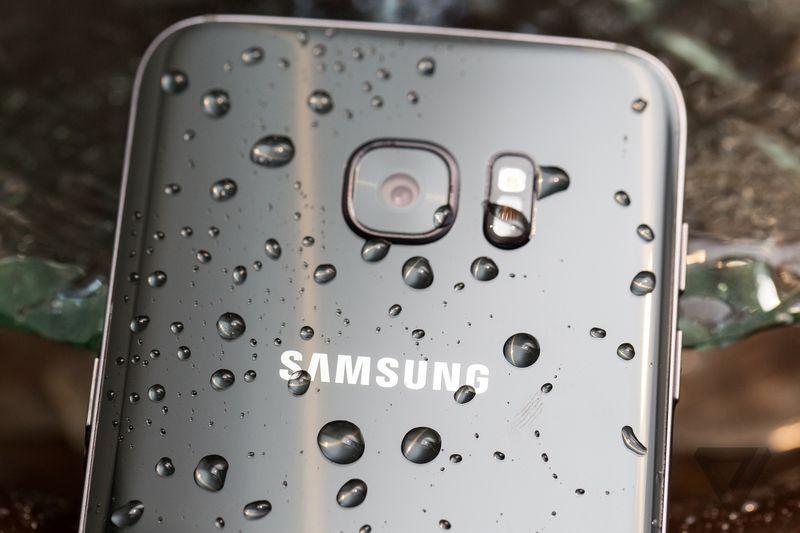 [MWC 2016] Cận cảnh tuyệt đẹp bộ đôi Samsung Galaxy S7 và S7 Edge