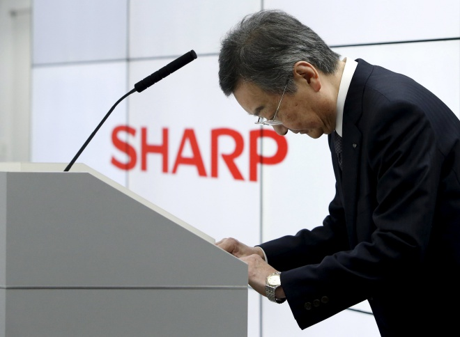 """Sharp """"bán mình"""" cho Foxconn với giá 6,2 tỷ USD, mặc chính phủ níu giữ"""