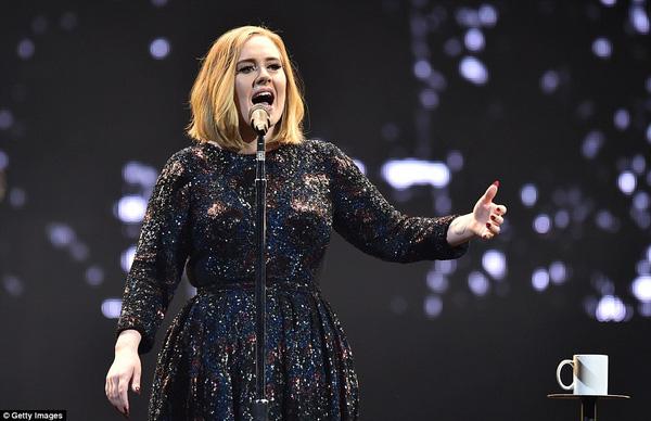 """Adele tiếp tục """"ngủ đông"""" 5 năm rồi mới trở lại tạo hit"""