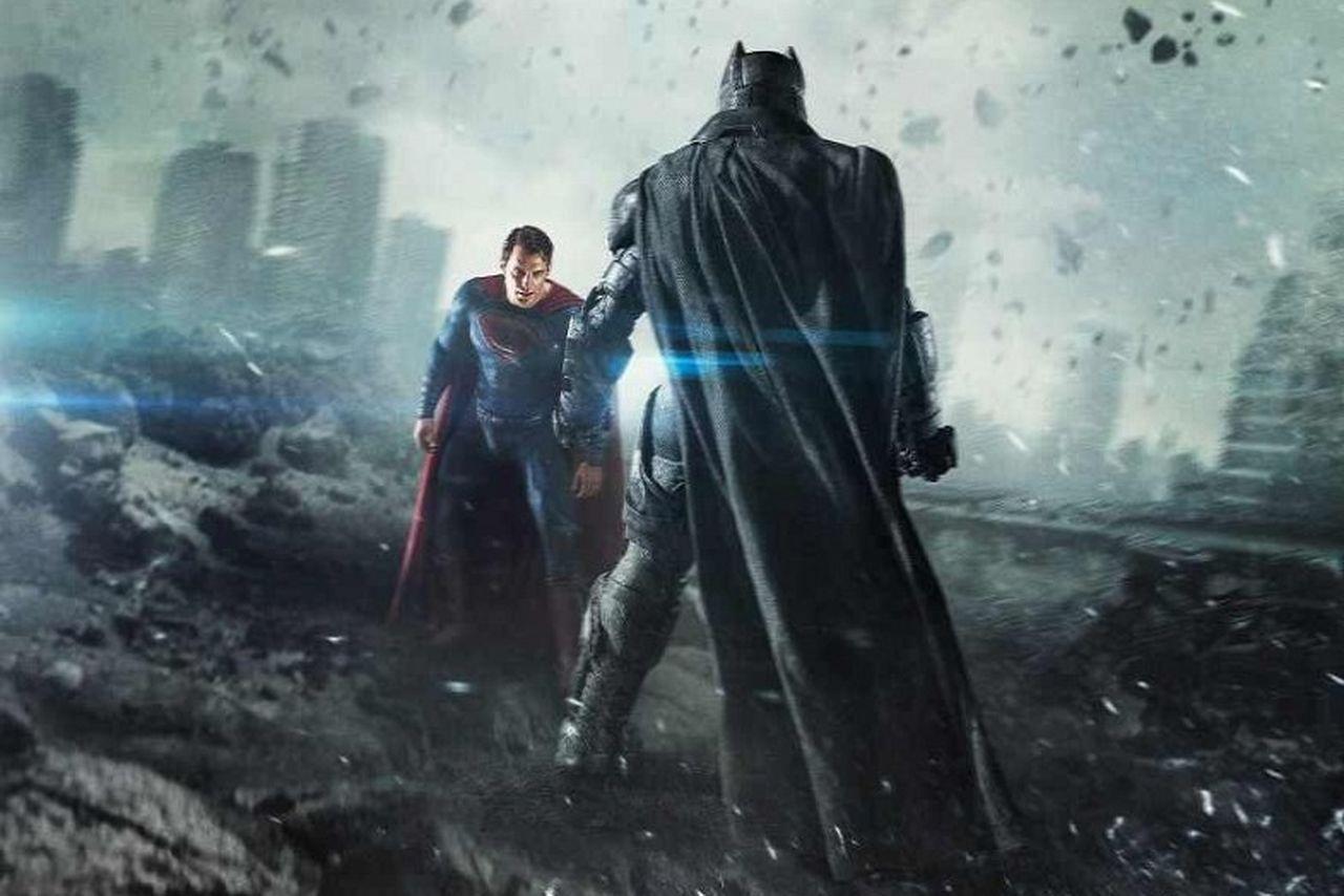 Batman vung tiền vào đâu mới hạ gục Superman?