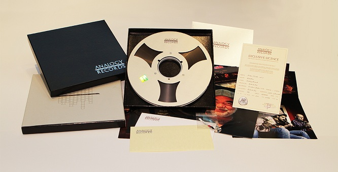 Analogy Records công bố ra mắt album mới trên băng cối