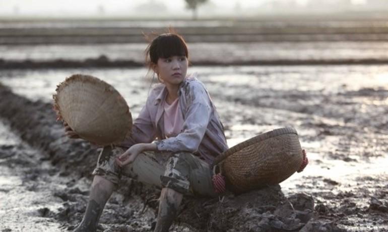 """Quá khứ nghèo khó của Ngọc Trinh tái hiện trong """"Vòng Eo 56"""""""