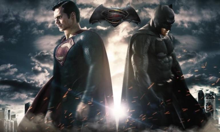 """Warner Bros. có nguy cơ thua lỗ vì """"Batman v Superman"""""""
