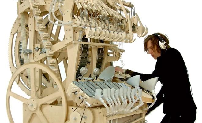 Bạn từng thấy máy chơi nhạc kỳ diệu, hoạt động bằng 2.000 viên bi sắt?