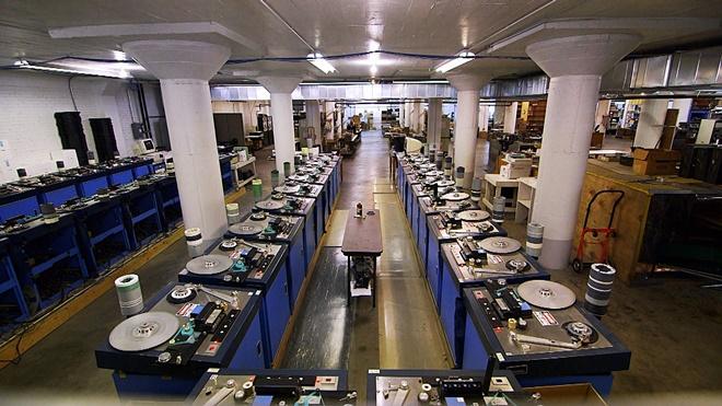 Đến thăm một trong những nơi sản xuất băng cassette cuối cùng của thế giới
