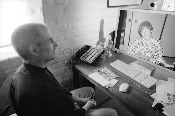 Có những gì trên bàn làm việc của Steve Jobs và Tim Cook?