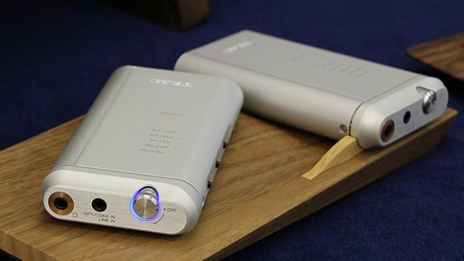 TEAC ra mắt HA-P5, DAC di động nhỏ gọn hỗ trợ DSD, giá 11 triệu đồng