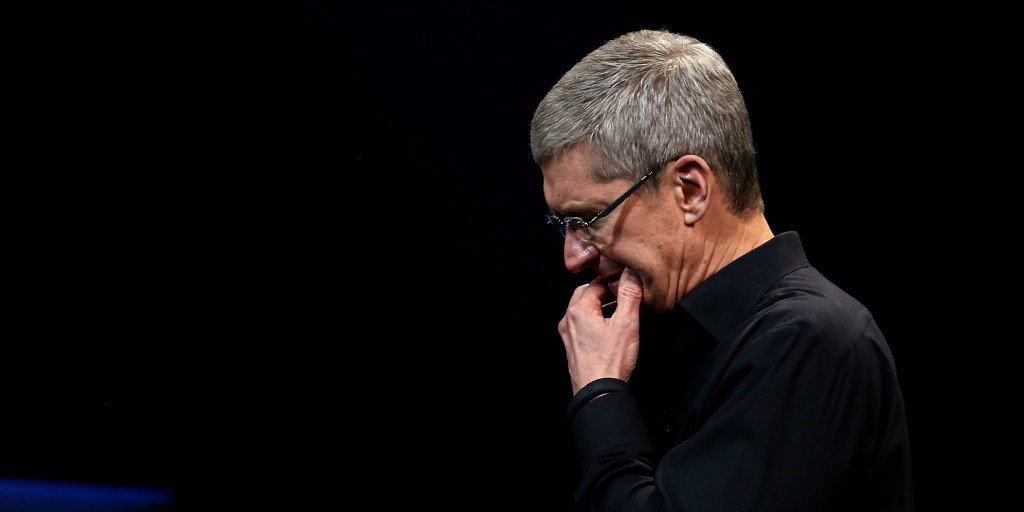 Doanh số iPhone lần đầu tiên tụt giảm sau 9 năm ra mắt