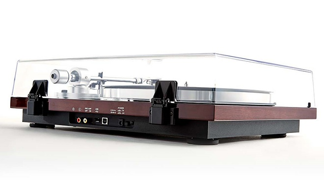 AKAI ra mắt mâm đĩa nhựa có kết nối Bluetooth BT500, giá 10 triệu đồng