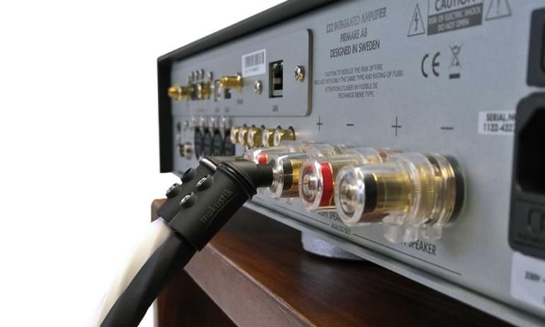 Giắc bắp chuối In-akustik BFA-103: giải pháp lý tưởng cho phòng nghe hẹp