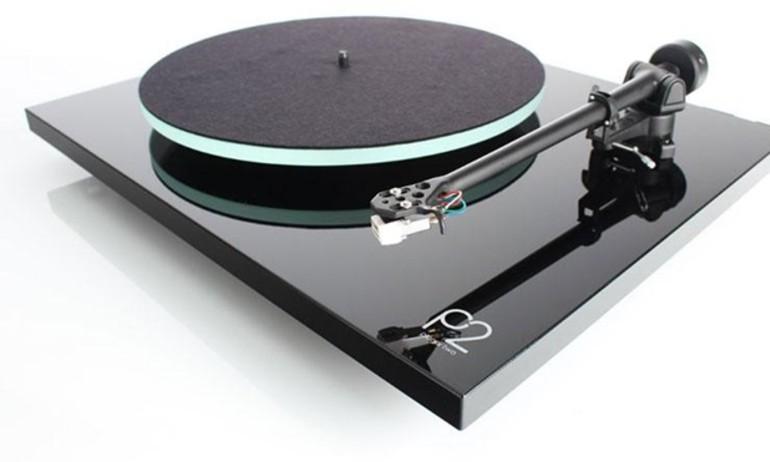 Rega giới thiệu dòng mâm đĩa nhựa Planar 2 hoàn toàn mới