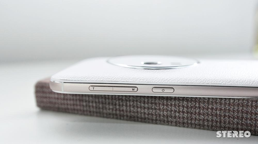 """Trên tay nhanh Zenfone Zoom: """"Của lạ"""" đến từ Đài Loan"""