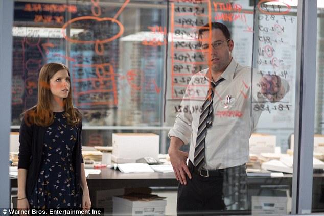 """""""Batman"""" Ben Affleck hóa sát thủ thiên tài trong """"The Accountant"""""""