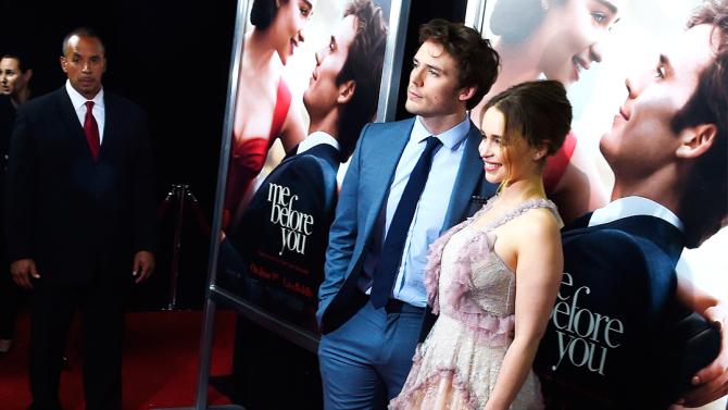 Emilia Clarke và Sam Claflin tình tứ trên thảm đỏ New York