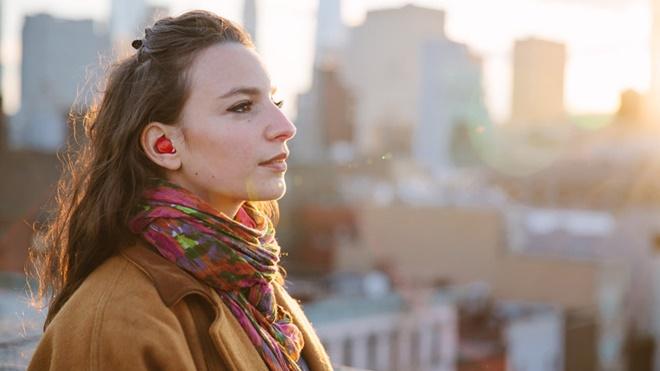 Pilot: tai nghe không dây, tự động dịch ngoại ngữ theo thời gian thực