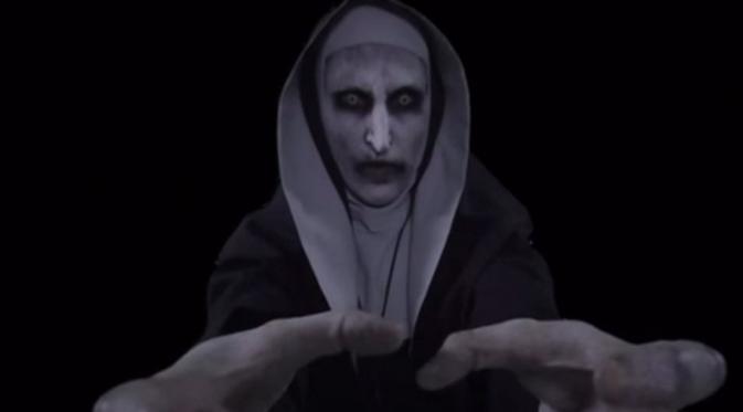 """Khán giả 65 tuổi đột tử vì quá sợ hãi """"The Conjuring 2""""?"""