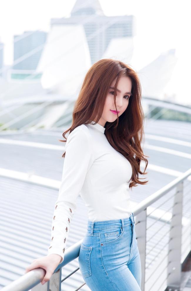 """Hết lấn sân điện ảnh, âm nhạc Ngọc Trinh cũng """"không tha"""""""