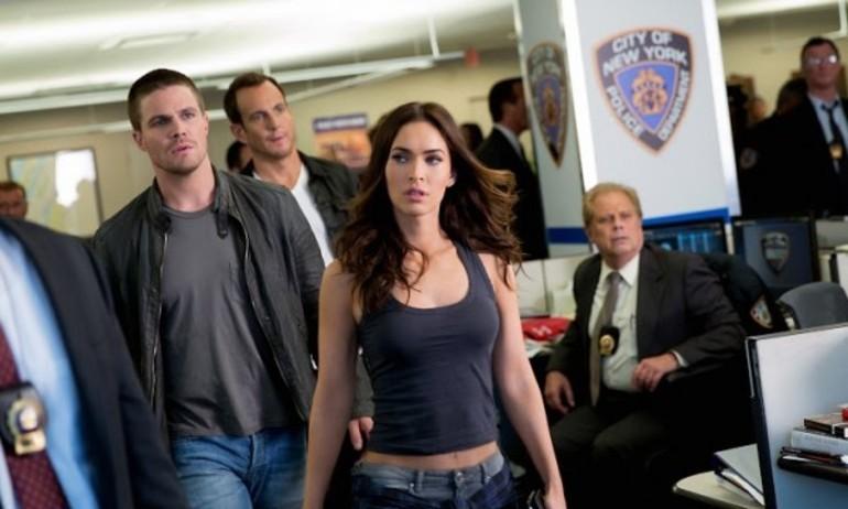 "Megan Fox bắt cặp ăn ý với ""soái ca"" Green Arrow trong Ninja Rùa"