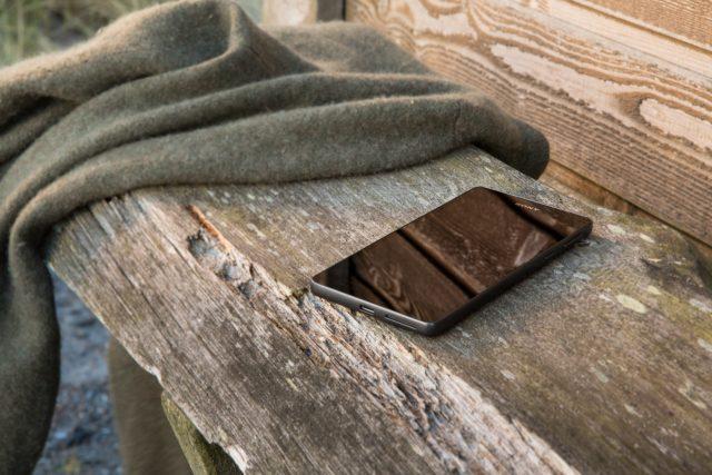 Xperia E5 ra mắt: Đẹp, tập trung vào camera, giá rẻ