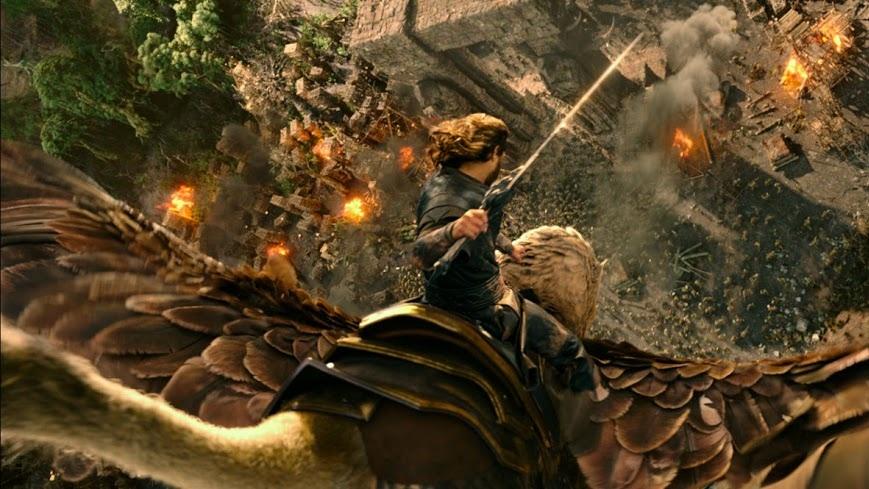 """""""The Conjuring 2"""" vượt mặt """"Warcraft"""" tại Bắc Mỹ"""