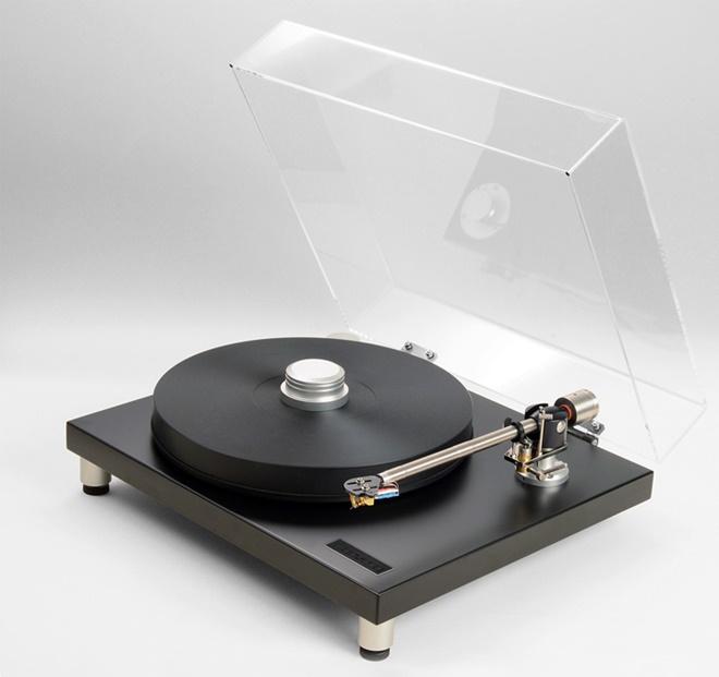 Bryston BLP-1: mâm đĩa nhựa với bộ nguồn và mâm xoay độc đáo