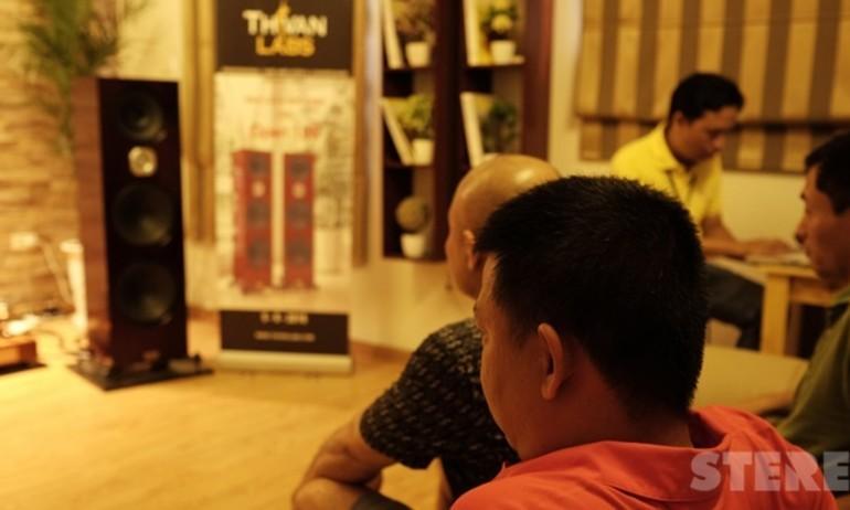 Thi Văn khai trương showroom tại Hà Nội, giới thiệu loa Open 100