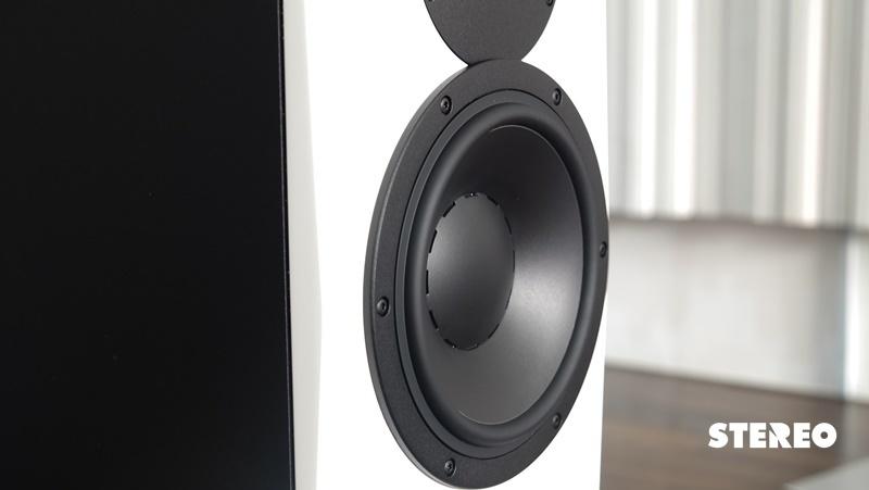 Dynaudio LYD 8: Loa nhà nghề nghe nhạc có gì khác?