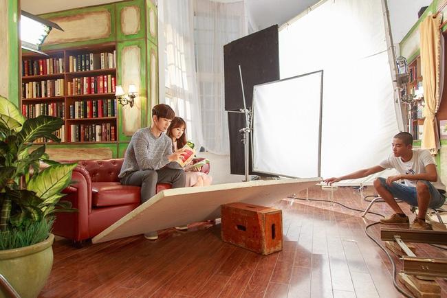 """Hé lộ hậu trường thú vị MV """"Anh cứ đi đi"""" của Hari Won"""