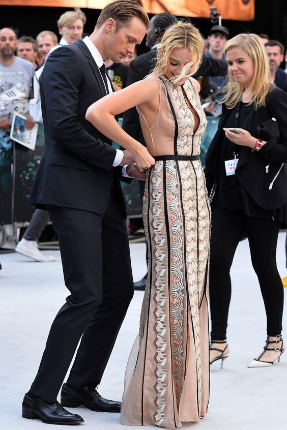 Margot Robbie gợi cảm trên thảm đỏ London