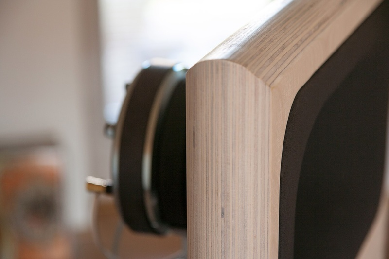 OZ: Loa open baffle hạng nặng của Acoustic Elegance