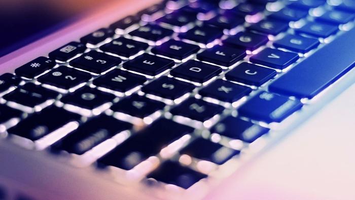 Vì sao ta dùng bàn phím QWERTY thay vì Alphabet?