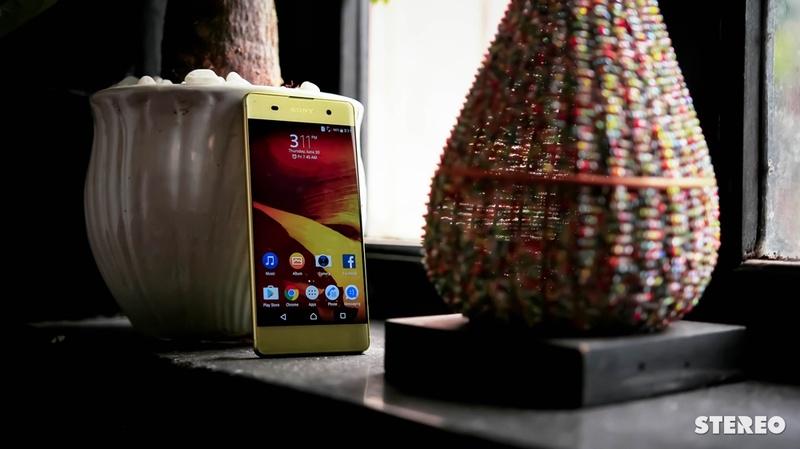 Trên tay Xperia XA Lime Gold: Thiết kế không viền siêu cá tính