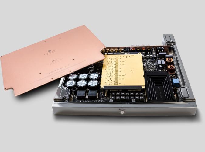 Devialet ra mắt Expert 1000 Pro, ampli tích hợp công suất … 1kW