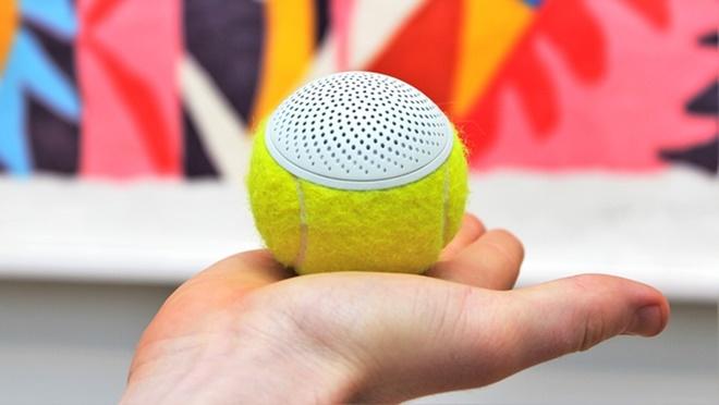 Tái chế bóng tennis thành loa di động cực độc