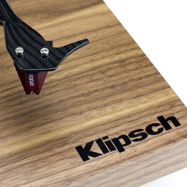 Klipsch hợp tác Pro-Ject ra mắt mâm đĩa nhựa cổ điển, thân gỗ óc chó