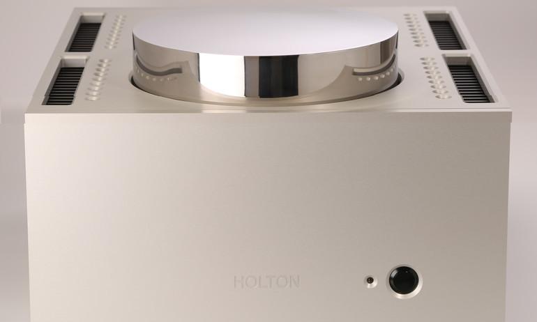 "Holton Audio Ex Nihilo monoblock – ""quái vật"" ampli công suất 900W"
