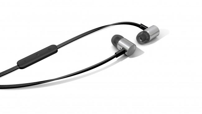 Beyerdynamic giới thiệu tai nghe inear iDX 200 iE vỏ titan siêu bền
