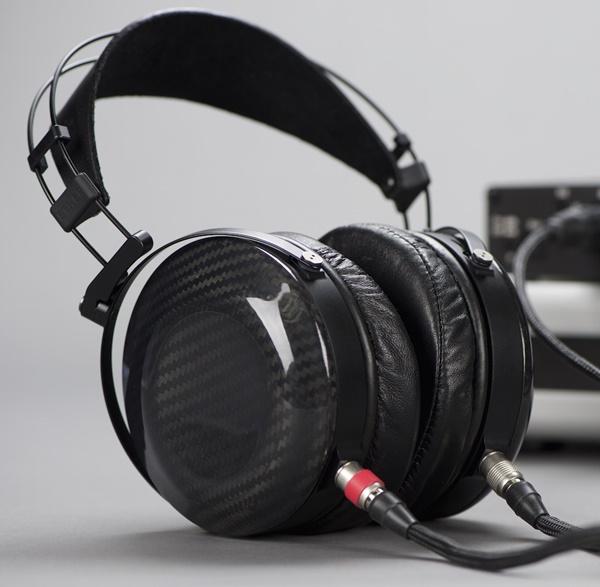 MrSpeakers giới thiệu dòng tai nghe từ phẳng Ether Flow